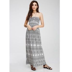 Forever 21🧚🏼‍♀️tribal print maxi dress 🐘size s
